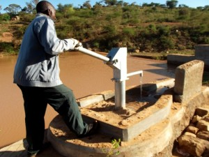 The Water Project : kenya4308-74-shallow-well