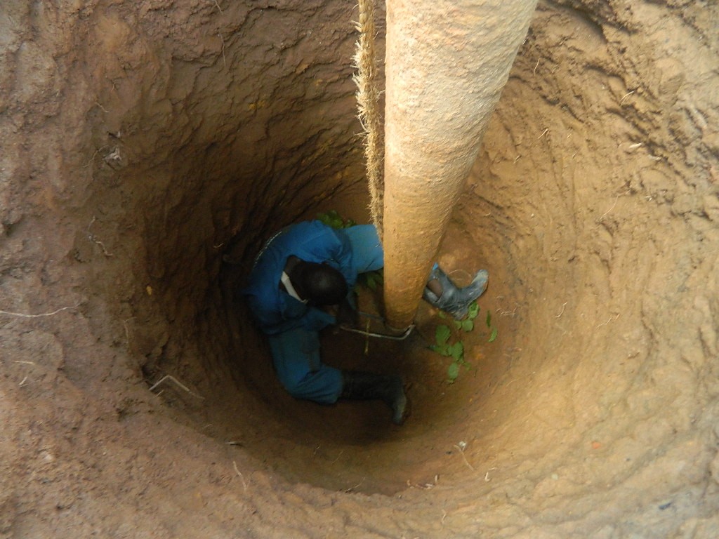 The Water Project : kenya4338-29-burundu-well-rehab-complication