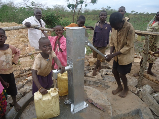 The Water Project : uganda678-39