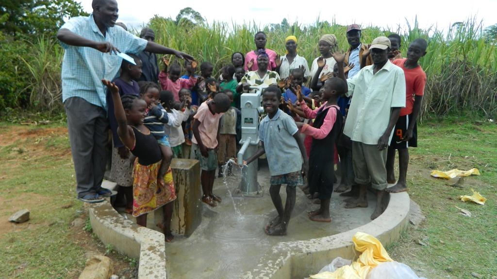 The Water Project : bulanda-handing-over-2-4