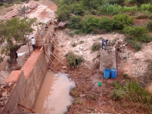 The Water Project : kenya4385-10-kithuani-construction