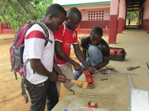 The Water Project : sierraleone5070-47-pump-installation