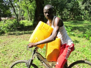 The Water Project : sierraleone5070-64-pumping-safe-water