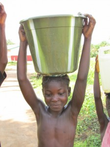 The Water Project : sierraleone5070-69-pumping-safe-water