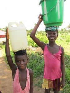 The Water Project : sierraleone5070-71-pumping-safe-water