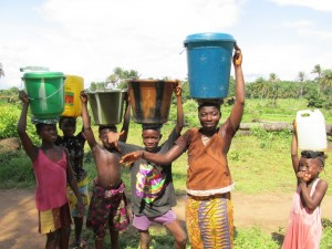 The Water Project : sierraleone5070-76-pumping-safe-water