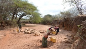 The Water Project : fetching-water-for-construction-kwa-mutunga-gabion-project-shg-9