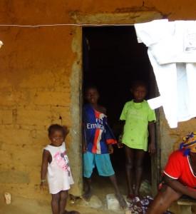 The Water Project : sierra-leone5066-27-children