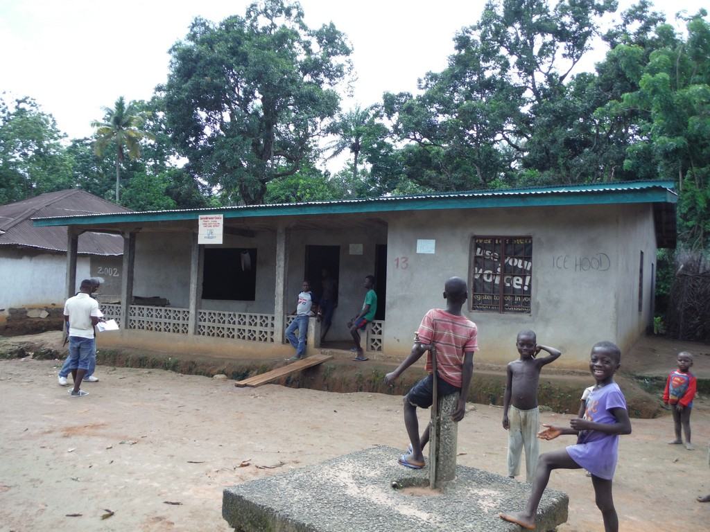 The Water Project : sierra-leone5072-15-umc-school-and-church-now