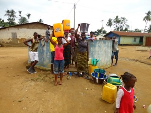 The Water Project : sierraleone5061-01-previous-water-source