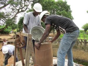 The Water Project : sierraleone5061-75