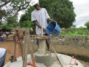 The Water Project : sierraleone5061-82