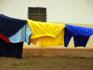The Water Project : sierraleone5075-84-clothesline