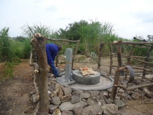 The Water Project : uganda684-15-waiga-constructed-pad