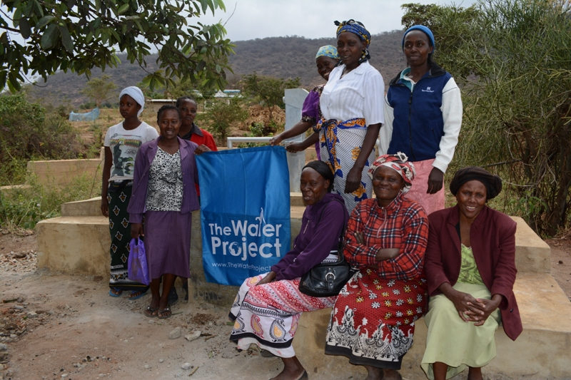 The Water Project : kenya4311-06-muselele-shallow-well-complete