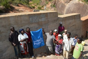 The Water Project : kenya4315-04-kithuani-shallow-well-pictures