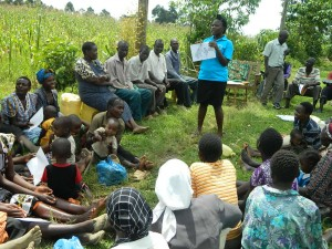 The Water Project : kenya4338b-71-explaining-the-good-and-bad-picture