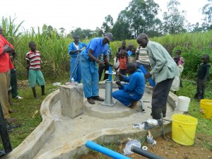 The Water Project : kenya4338b-90-pump-installation