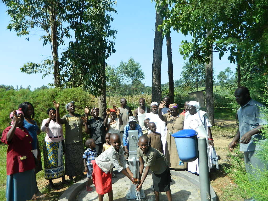 The Water Project : kenya4354-65-emusiliba-community-handing-over