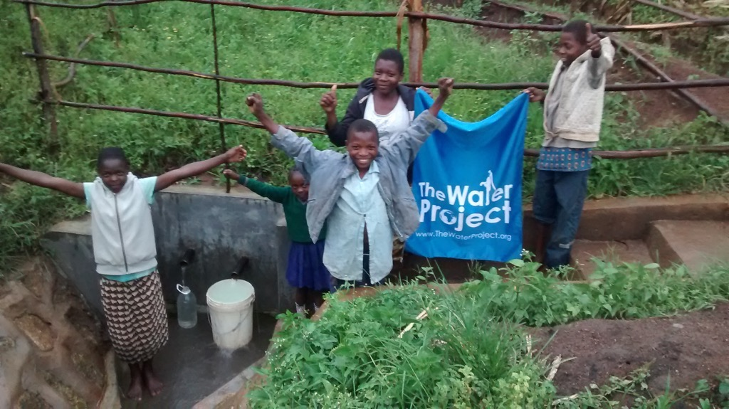 The Water Project : kenya4373-25-completed-project
