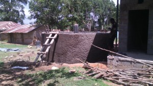 The Water Project : kenya4404-27-tank-construction