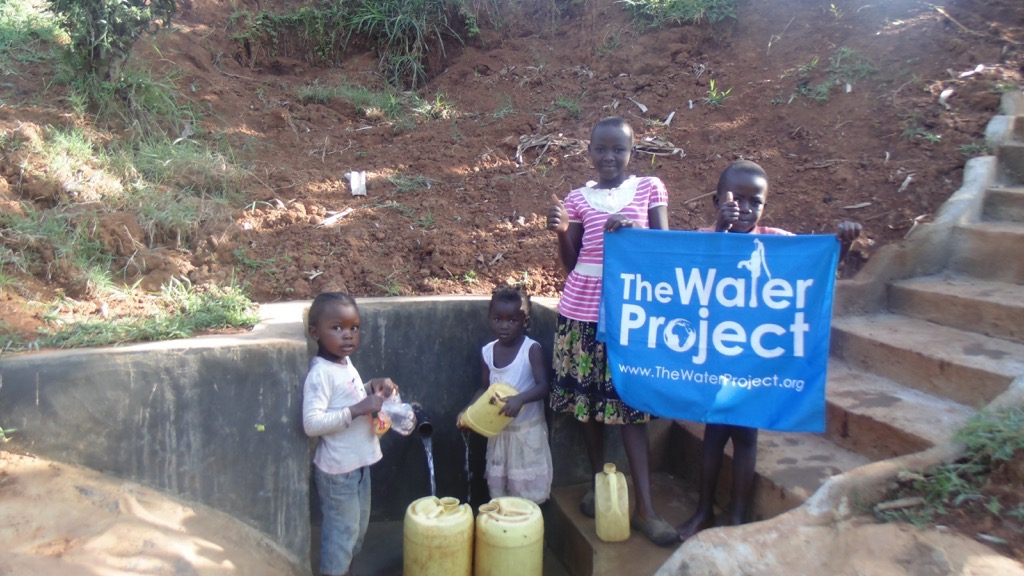 The Water Project : kenya4413-11-completed-project