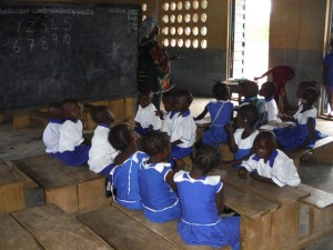 The Water Project : sierraleone5061-112-students