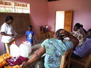 The Water Project : sierraleone5070-123-good-bad-hygiene