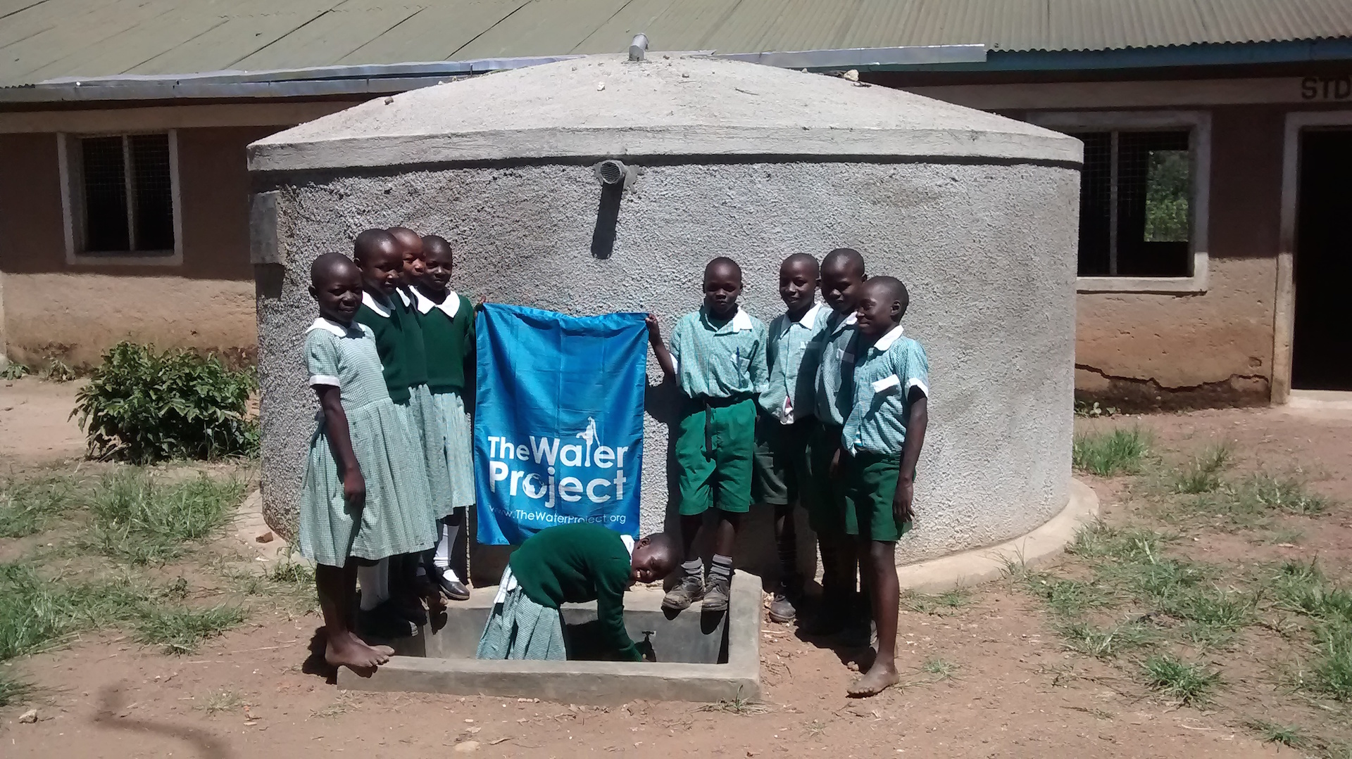 The Water Project : 01-kenya4329_hand-over