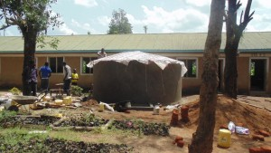 The Water Project : kenya4329-37-tank-construction