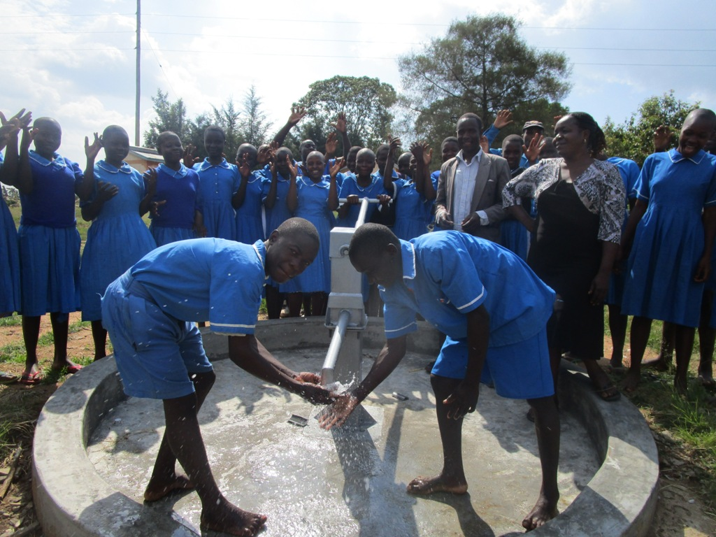 The Water Project : kenya4357-31-malekha-primary-school-handing-over