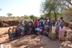 The Water Project : kenya4377-01-community-members