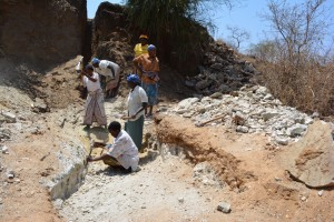 The Water Project : kenya4389-13-trenching