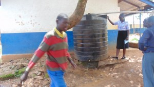 The Water Project : kenya4440-08-previous-water-tank