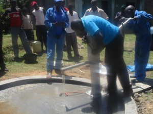 The Water Project : kenya4453-39-ematoyi-pump-installation
