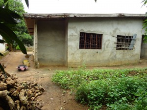 The Water Project : sierraleone5067-06-house