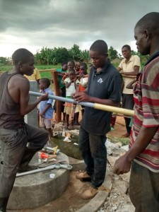 The Water Project : uganda688-09-pump-installation