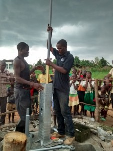 The Water Project : uganda688-10-pump-installation