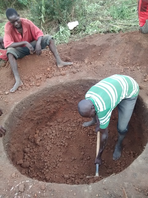 The Water Project : uganda690-03-excavation