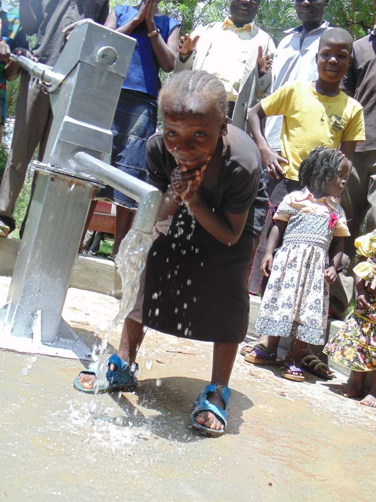 The Water Project : kenya4361-45-completed