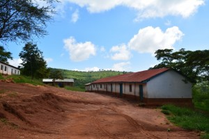 The Water Project : kenya4395-04-school-compound