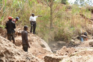 The Water Project : kenya4446-06-construction