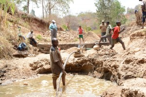 The Water Project : kenya4446-11-construction