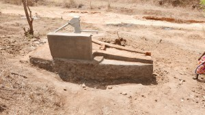 The Water Project : kenya4379-01-completed-well