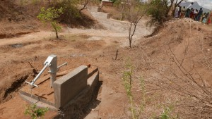 The Water Project : kenya4379-03-completed-well