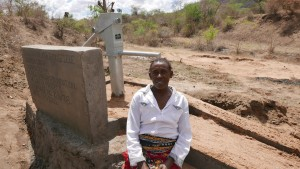 The Water Project : kenya4379-13-completed-well