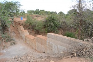The Water Project : kenya4383-01-complete-dam