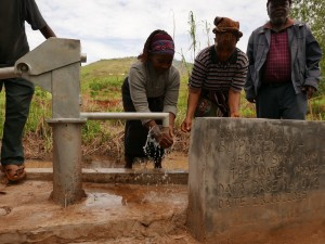 The Water Project : kenya4448-05-well