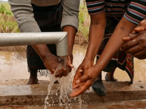 The Water Project : kenya4448-07-well