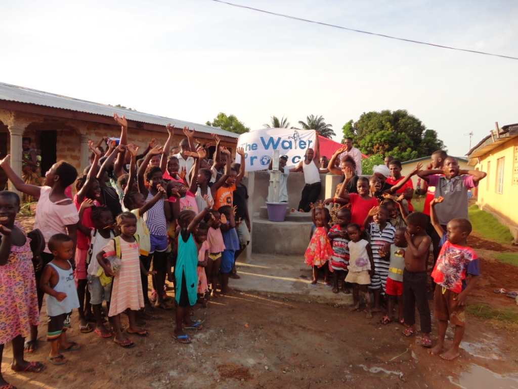 The Water Project : sierraleone5068-36-dedication